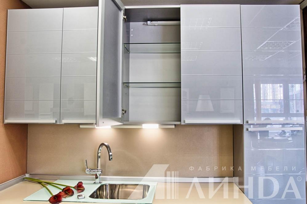 Кухня угловая модерн андорра стекло