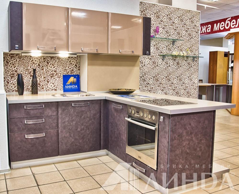угловые кухни цвета капучино фото